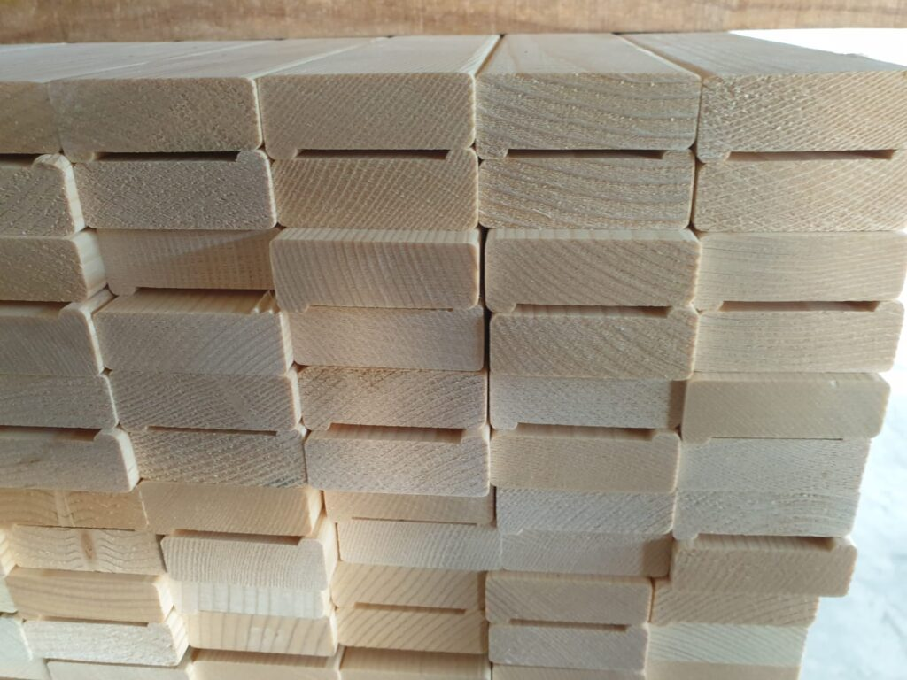 ABETE FINGER JOINT 1 - SP 20 E 30 - lungh mt 3, largh cm 5 e 7, ideale per produzione strutture tenditela per quadri e dipinti (2)